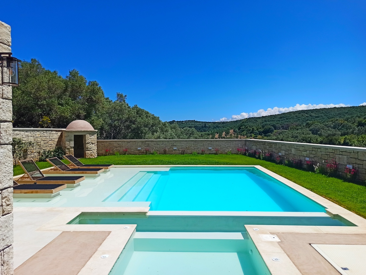antonis-garden-blue-lake-luxury-villa-after-001