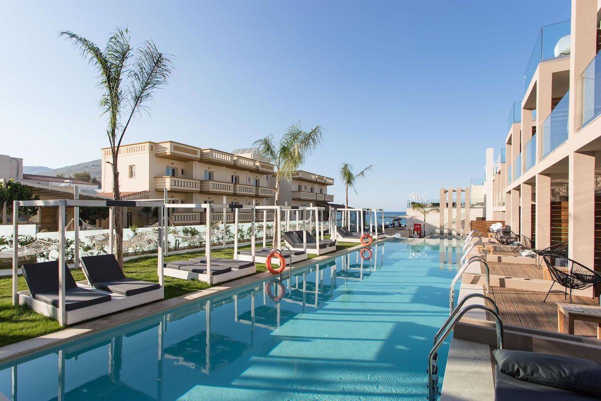 antonis-garden-epos-luxury hotel-001