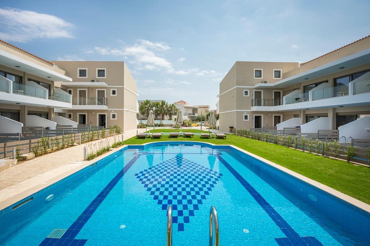 antonis-garden-vantaris-blue-hotel-after-002