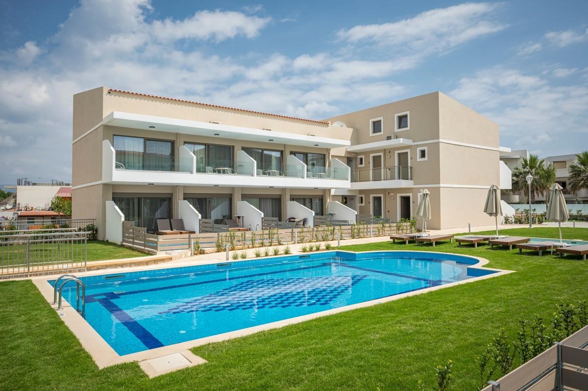 antonis-garden-vantaris-blue-hotel-after-003