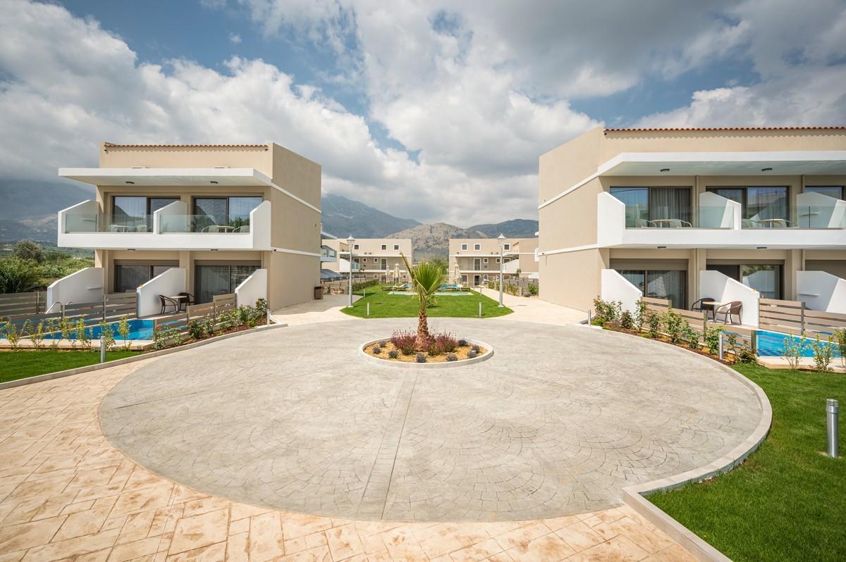 antonis-garden-vantaris-blue-hotel-after-005