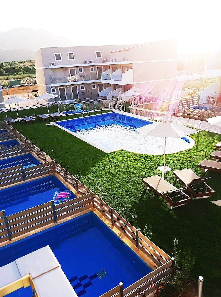 antonis-garden-vantaris-blue-hotel-after-006