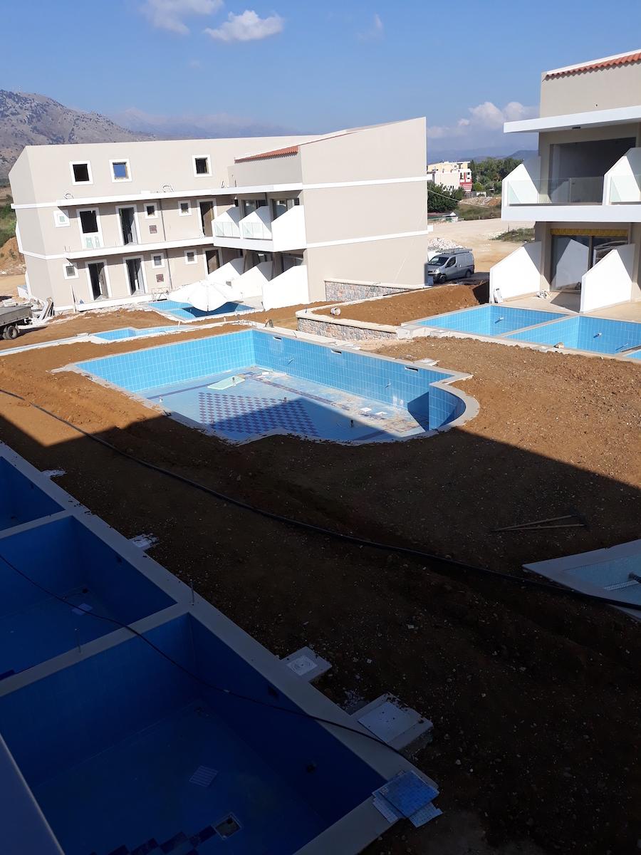 antonis-garden-vantaris-blue-hotel-before-003