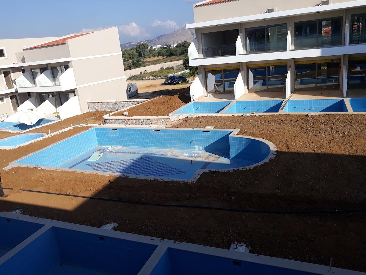 antonis-garden-vantaris-blue-hotel-before-004