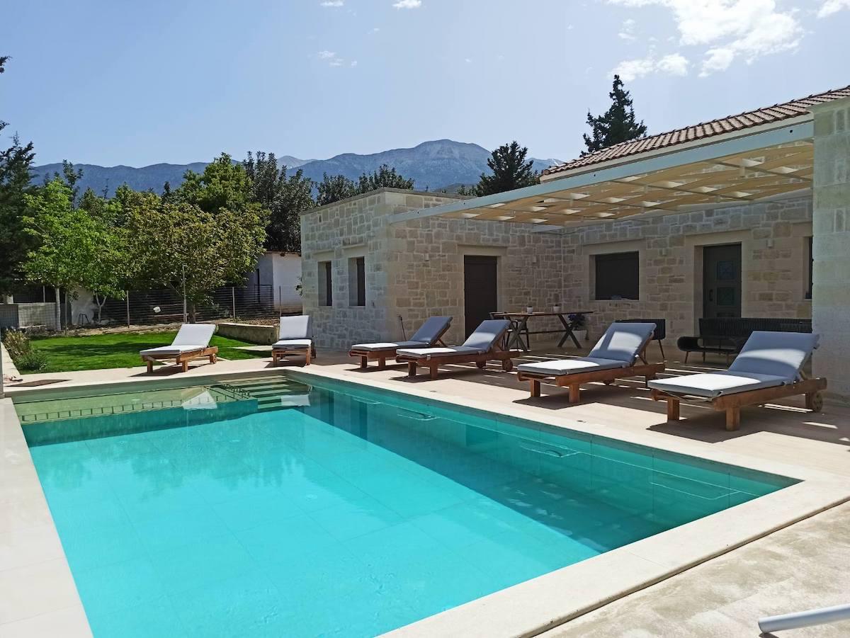 antonis-garden-minoas-luxury-villas-after-00001