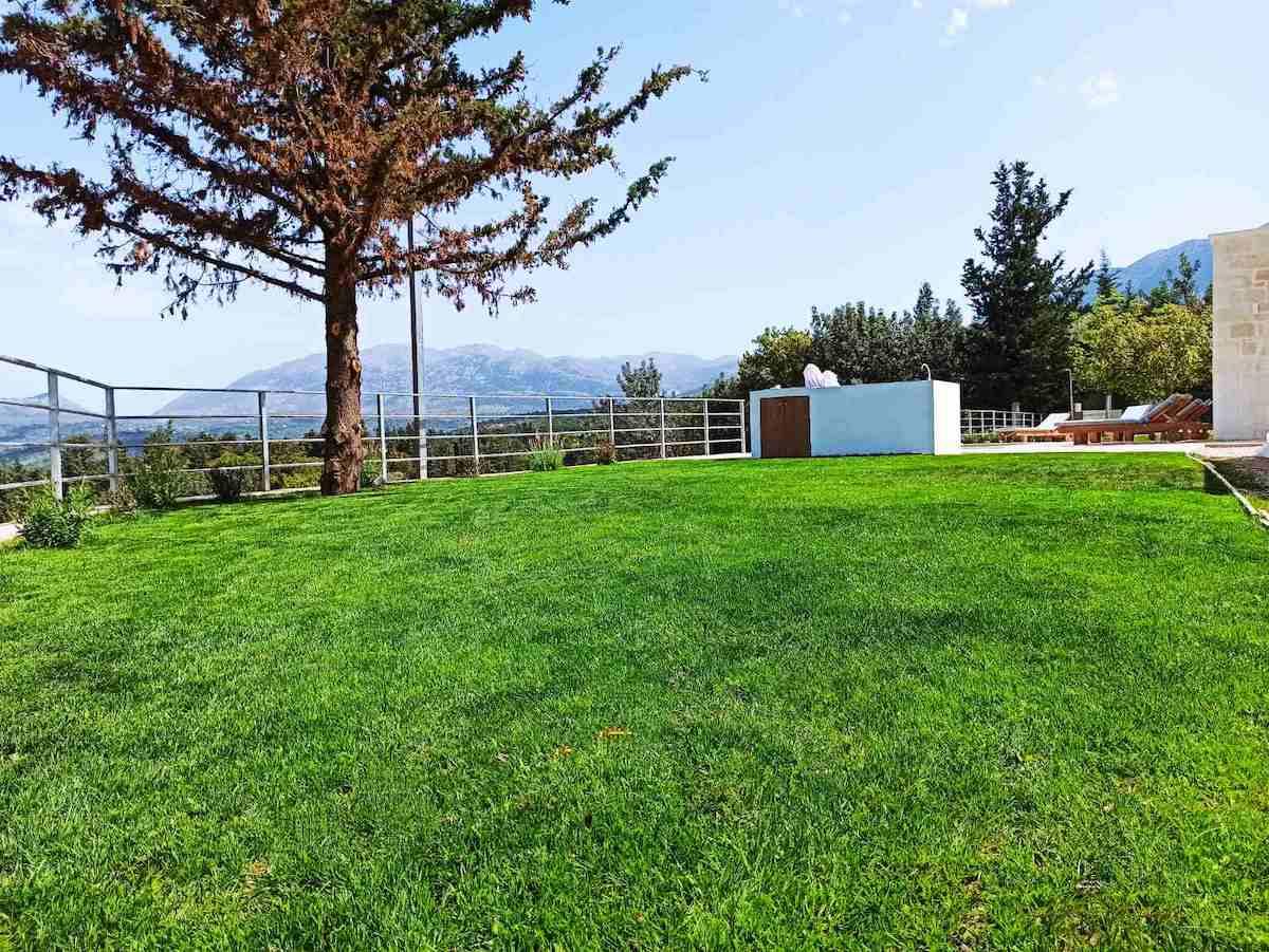 antonis-garden-minoas-luxury-villas-after-00007